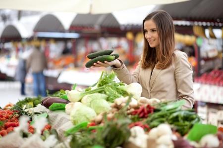 farmer's market  market: I