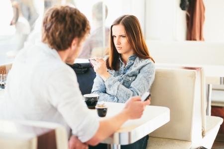 mujeres peleando: Pareja lucha en Problemas de pareja caf�