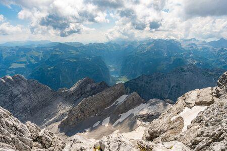 Belle randonnée en montagne sur le Watzmann dans les Alpes de Berchtesgaden Banque d'images