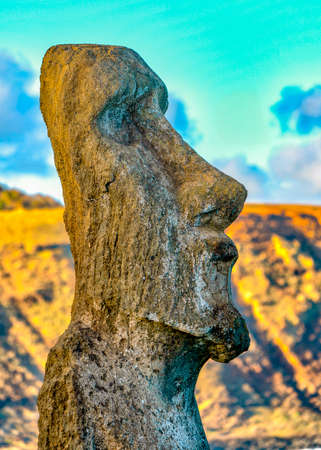 Moai Statues on Easter Island at the Rano Raraku Quarry. Banque d'images