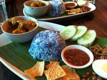 must: Must try food in Malaysia - Nasi Lemak