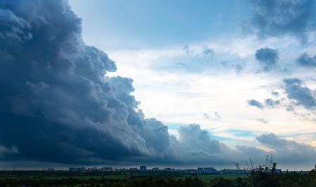 city with Bad weather scenery 版權商用圖片