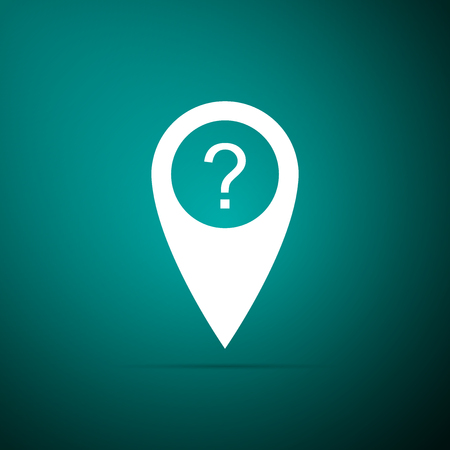 Map pointer with Question symbol icon isolated on green background. Marker location sign. For location maps. Sign for navigation. Index location on map. Flat design. Vector Illustration Vetores