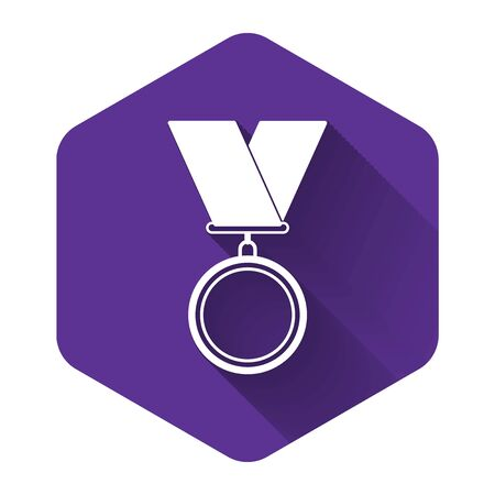 White Medal icon isolated with long shadow. Winner symbol. Purple hexagon button. Vector Illustration Archivio Fotografico - 131559622