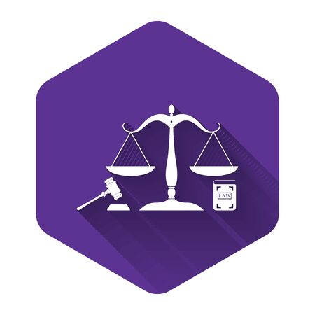 White Scales of justice, gavel and book icon isolated with long shadow. Symbol of law and justice. Concept law. Legal law and auction symbol. Purple hexagon button. Vector Illustration Çizim