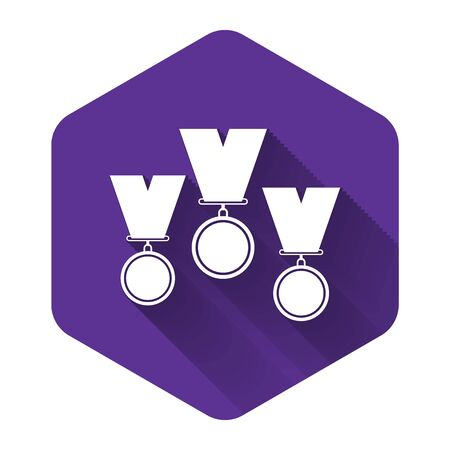 White Medal set icon isolated with long shadow. Winner simbol. Purple hexagon button. Vector Illustration Archivio Fotografico - 131408444