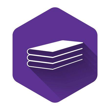 Icona di libri bianchi isolata con ombra lunga. Pulsante esagonale viola. illustrazione vettoriale