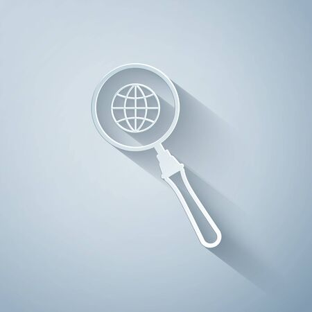 Paper cut Magnifying glass with globe icon isolated on grey background. Analyzing the world. Global search sign. Paper art style. Vector Illustration 向量圖像