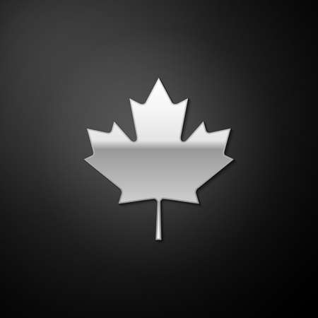 Silver Canadian maple leaf icon isolated on black background. Canada symbol maple leaf. Long shadow style. Vector 向量圖像