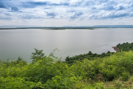 livelihood: Environment of the dam. A tourist attraction. And a source of livelihood of people in the area.