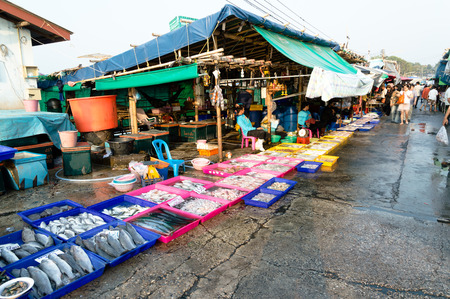 city fish market: Famous Fish Market  As Ang Sila is a coastal town, fishing is a major occupation, sea food both fresh and cooked are popular draws