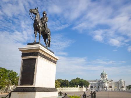 Rey Rama V Monumento Ecuestre Foto de archivo - 34590238