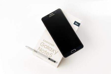 samsung: Bangkok, Thailand - November 8, 2015:New Smartphone Samsung Galaxy Note 5 with S Pen unpacking.The display 5.7 inch QHD 518 ppi and camera 16MP. Galaxy Note 5 developed by Samsung Electronics co. ltd