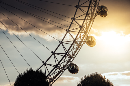 Detail of the famous tourist attraction London Eye at sunset 写真素材 - 119239335