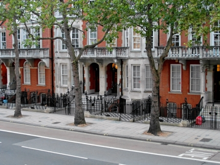 row: Street view, terraced house in capital city of London