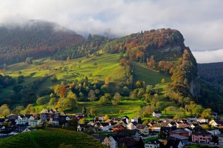 Landschap in Balzers, Liechtenstein, tijdens prachtige zonsopgang