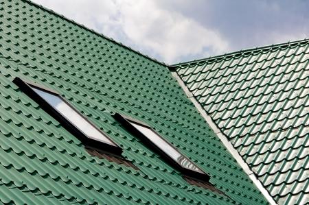 Nieuwe groene dakbedekking van roestvrije metalen plaat
