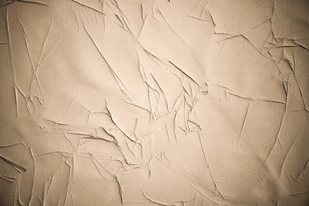 Carteles arrugados arrugado texturas de papel de grunge. Fondo de carteles de cartelera de calle rasgado rasgado viejo en blanco.