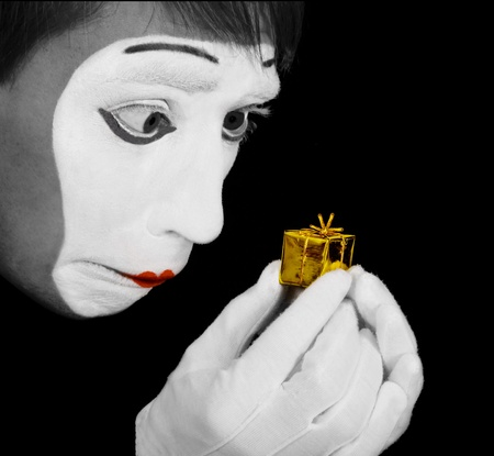 Mime is upset of too little gift photo