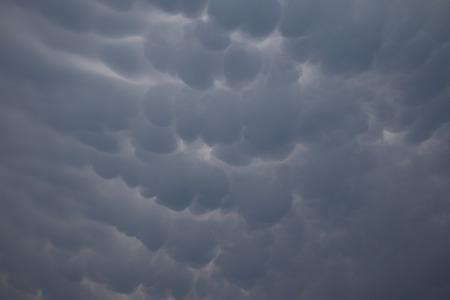 high winds: Cumulus mammatus cloud background
