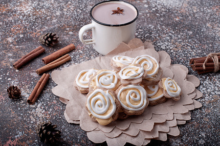 gingerbread: cup of cocoa with marshmallows and almond cookies, top view Stock Photo