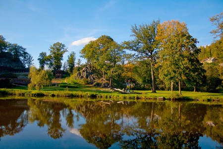görüntü: autumn landscape on the river near Lock Castle, Czech Republic