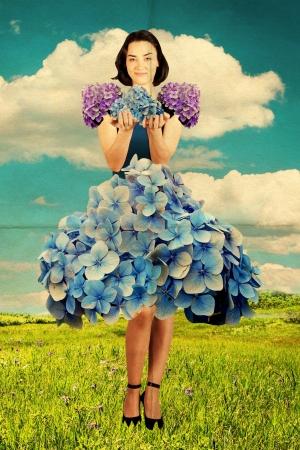 joven belleza en vestido de flores, cosecha collage