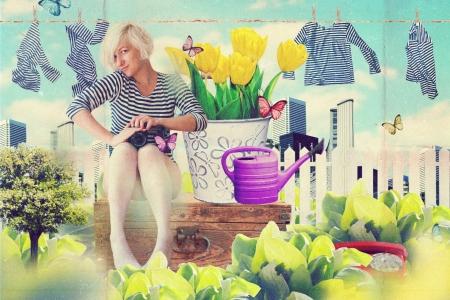arte collage con hermosa mujer joven en flores, vintage photo