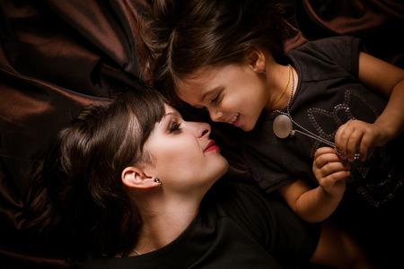 Mom and daughter Standard-Bild