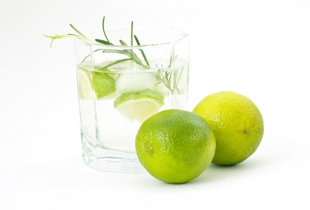 water with ice and lime photo