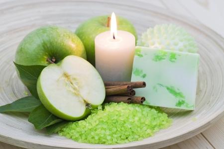aromatic apple bath - bar of soap, bath salt, fresh apples
