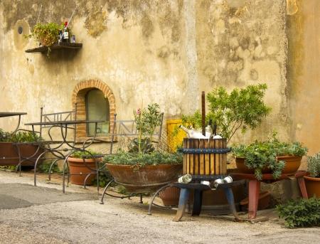country house style: cute italian street