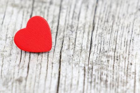 red heart on wooden background, Valentines Day background  Standard-Bild