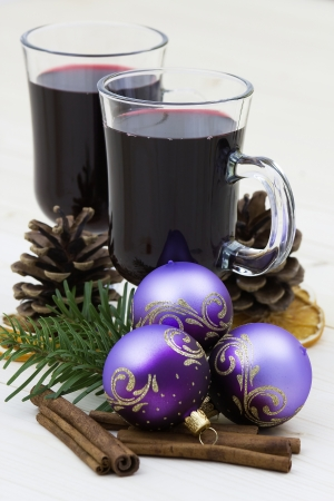 gluhwijn: hot wine and christmas decoration