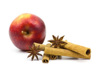 cinnamon sticks: apple, cinnamon sticks and anise