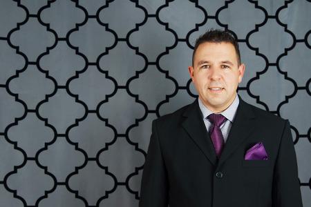 Friendly man in suit 免版税图像