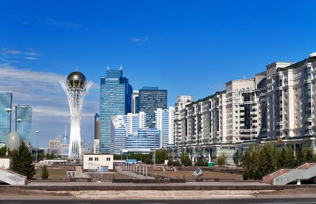 Vista del Astana ciudad moderna. Astana es la capital de Kazajstán, el 10 de diciembre de 1997. Población de 835153