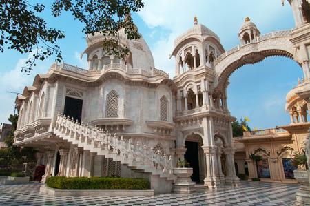 templo: Templo de Sri Krishna-Balaram. Vrindavan. India Foto de archivo