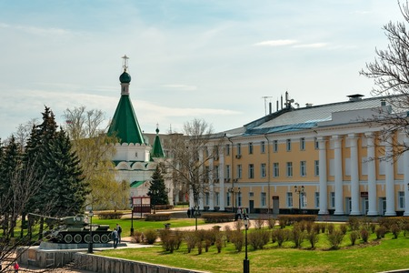 t34: Nizhny Novgorod, Russia - May 2, 2015: Archangel Michael Cathedral and Tank T-34 in the territory of the Nizhny Novgorod Kremlin Editorial