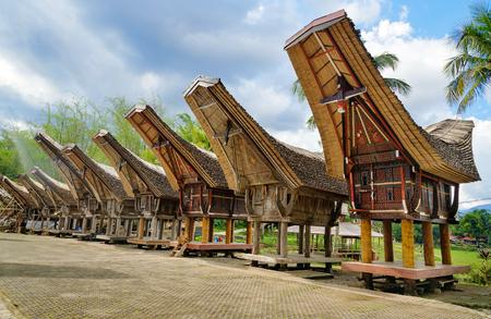 Tongkonan traditionele rijstschuren in Kete Kesu dorp. Tana Toraja, Sulawesi. Indonesië
