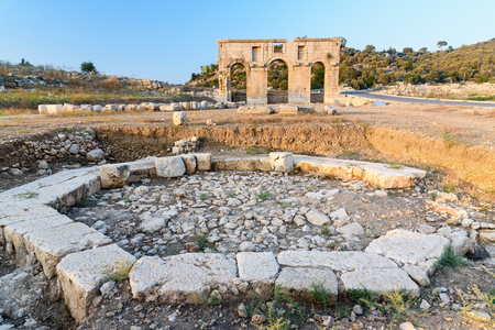 octogonal: Octagonal pool and Arch of Mettius Modestus in ancient Lycian city Patara. Antalya Province. Turkey Foto de archivo