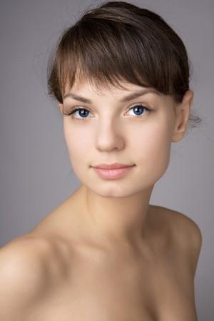 Imagen de una chica hermosa, morena de ojos azules Foto de archivo - 4414677
