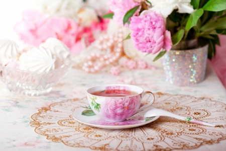 old english: Tea in the Shabby Chic style Stock Photo