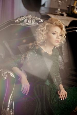 monroe: Beauty rich luxury woman like Marilyn Monroe