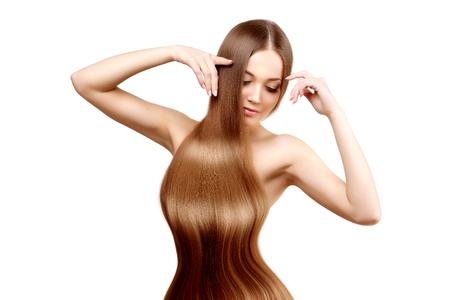 femme noire nue: Cheveux longs. Coiffure.