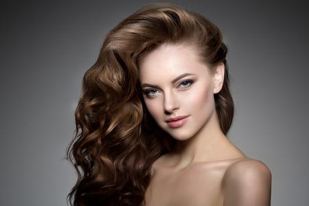 modelos desnudas: Modelo con el pelo largo.