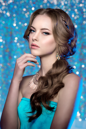 gorgeous: Winter woman model gorgeous beauty makeup stylish hairstyle.
