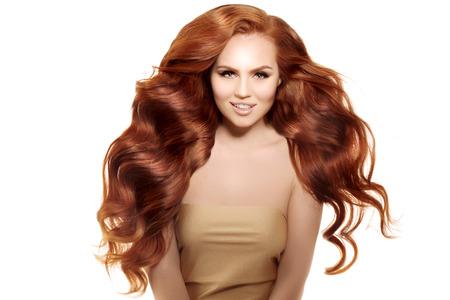 Mujer con el pelo sano con corte de pelo luxuus.