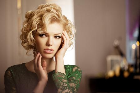 Beauty rich luxury woman like Marilyn Monroe Reklamní fotografie