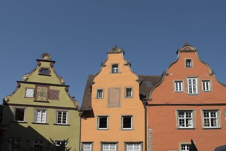 Schwäbisch Hall, Germany - July 25, 2019; Colorful houses on the market square on the touristic town Schwäbisch Hall, on the romantic road in Bavaria Banque d'images